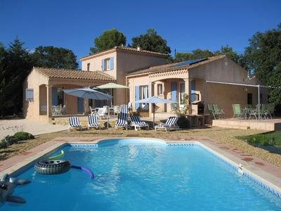 Photo for Air conditioned villa, 800m from the Pont du Gard, 6km of uses, 20 km from Avignon and Nîmes