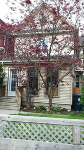 Photo for 5 bedroom house close to Beaches, Trails, and Subway