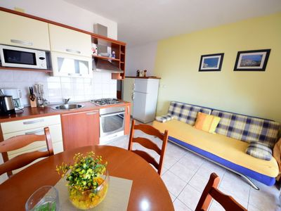 Photo for One bedroom Apartment, sleeps 3 in Okrug Gornji with Pool, Air Con and WiFi