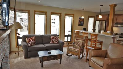 Photo for Remodel Warm Springs Condo with Mountain views, Hot Tub & Air Conditioning.