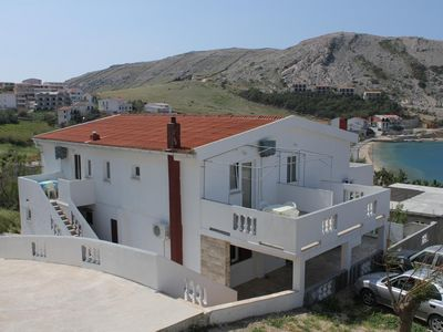Photo for One bedroom apartment with terrace and sea view Metajna, Pag (A-6336-f)