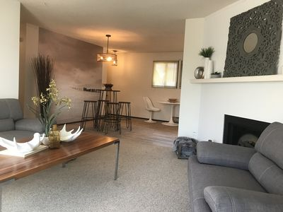 Photo for MODERN MOUNTAIN VIEW TOWNHOUSE