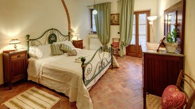 Photo for Little Love Nest Cappannelle Country House  in Tuscany