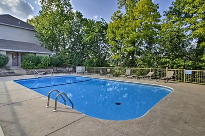 This condo is in the The Club at Thousand Hills and offers a community pool!