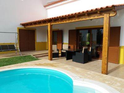 Photo for Rustic villa, private pool and quick access to Lisbon / Fatima. Horse rides