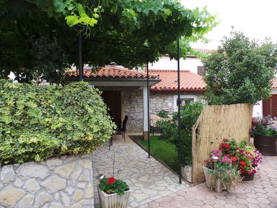 Photo for Holiday house in quiet sourroundings with air conditioning