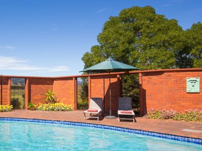 Photo for Richmond Plains Vineyard Cottage with pool and FREE bottle of wine.