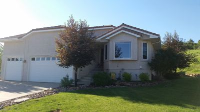Ranch home with 4 br, 3 baths, great room open concept floor plan. 2 bd main lvl