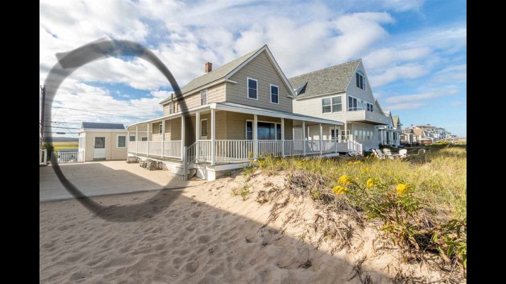 2BR Right on the Beach