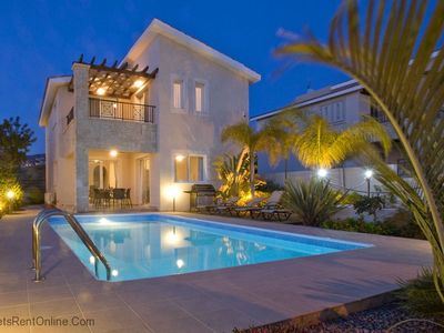 3 Bed High Spec Villa in Tala /Amazing Sea Views/Heated Pool & Car Included