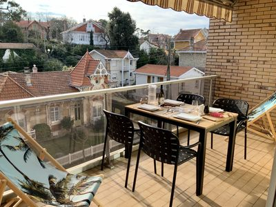 Photo for Appart + Covered parking + 2 bikes * 2/4 pers prox PEREIRE beach market, Terrace