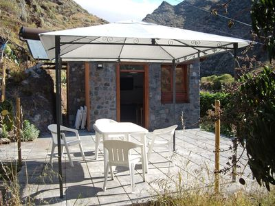 Photo for Cosy apartment for 4 people with private pool, WIFI, TV, balcony and parking