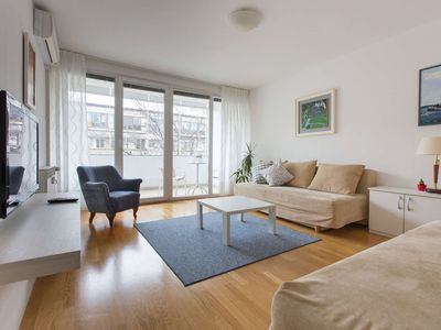 Photo for One bedroom apartment with terrace in the city centre