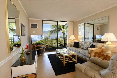 Welcome to this bright, airy, well-furnished ocean-view condo, Kauhale Makai 506! - There's room for everyone to gather in the living room for games, TV, or to watch the beautiful sunsets! The sofa unfolds into a bed for 2, giving some lucky couple o