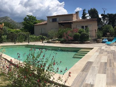 Photo for Villa with swimming pool in a charming Provencal village