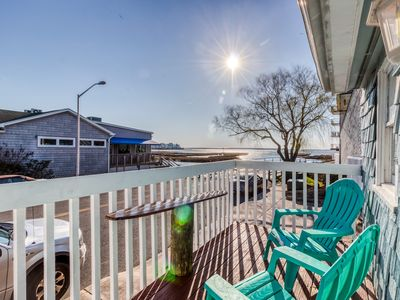 Photo for Adorable, waterfront beach cottage w/ bay view, full kitchen, & free WiFi!