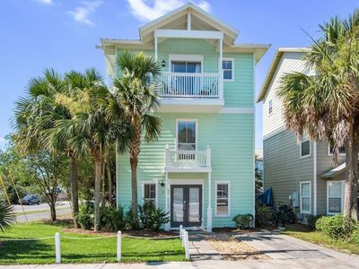 "Photo for ""Blue Snapper"" 4 Bedroom Home (3 Master Suites + Bunk room)"
