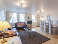 Central flat with parking - perfect for Edinburgh
