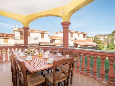 Photo for Centrally Located, Mediterranean Holiday Apartment with Garden and Terrace; Pets Allowed