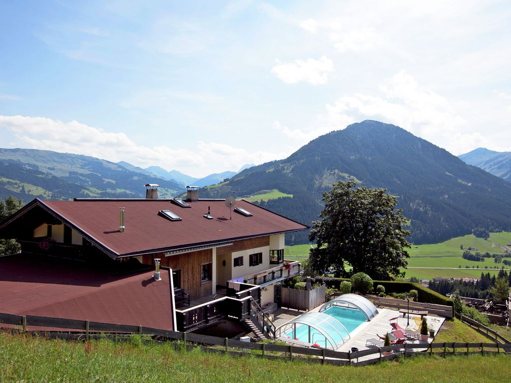 A super de lux millionaire 39 s villa in kirchberg with a private swimming pool vrbo for Swimming pool luxembourg kirchberg