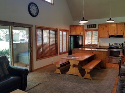 Photo for 32 Circle Four Ranch Cabin: 3 BR / 2 BA condo in Sunriver, Sleeps 8