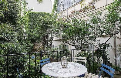 Photo for Apartment Paris Center with private Garden
