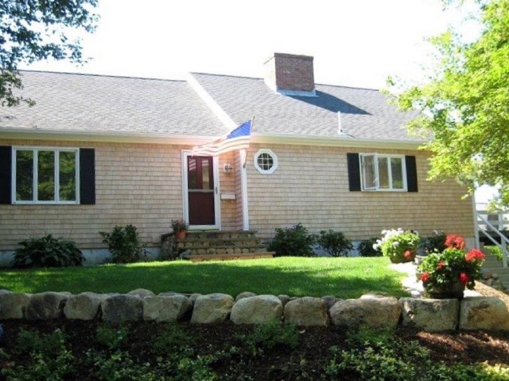 Close To Beach Private 3 Bedroom Home Beach Pass Provided Hyannis Cape Cod Massachusetts