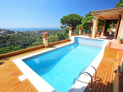 Photo for Beautiful private villa with WIFI, private pool, TV, balcony and washing machine