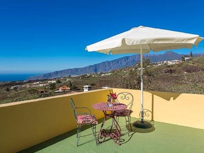 Photo for Holiday cottage on the sunny side of La Palma with views & Wi-Fi