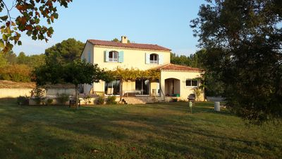 Photo for Country villa located south of Luberon, 10 min from a lake to swim