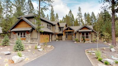 Photo for 56629 Sunstone Loop: 7 BR / 7.5 BA home in Bend, Sleeps 16