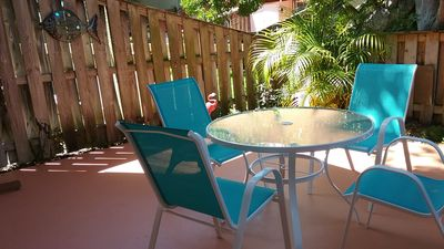 Photo for Comfortable townhouse in quiet gated community, with pool, near the beach.