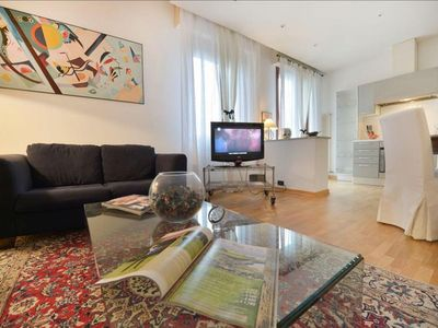 Photo for Zago apartment in Bologna with WiFi, integrated air conditioning, private parking, balcony & lift.