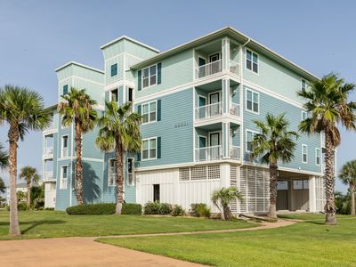 Photo for NEW LISTING! Spacious, dog-friendly bayview condo w/ shared pool & hot tub