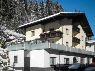 Photo for 4 bedroom Apartment, sleeps 8 in Perpat with WiFi
