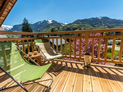 Photo for Luxury apartment in central Samoens. 3 bedrooms, hot tub, garden, balcony, WiFi