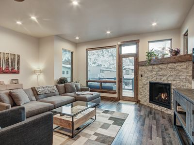 Photo for Modern Town Home with Unbeatable Location in Frisco. #2