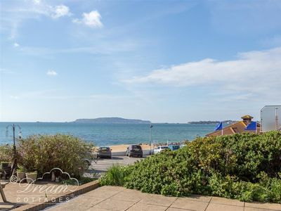 Photo for SEA SPRAY, family friendly, with a garden in Bowleaze, Ref 994645