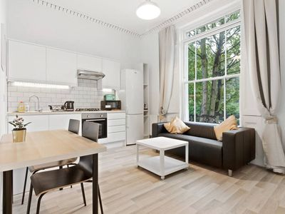 Photo for Refined, Light 1-Bed apt w/ Balcony in Brixton