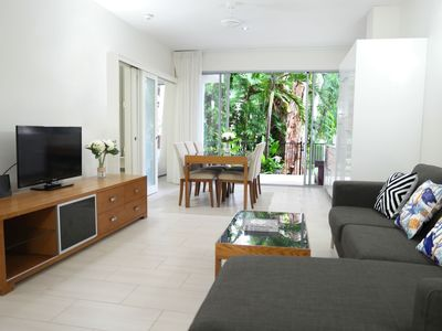 Photo for Apartment in the center of Palm Cove with Internet, Pool, Air conditioning, Parking (740248)