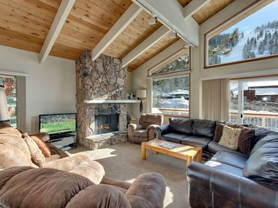 Photo for Saddle Slopeside Ski Cabin Watch Skiers Go Down The Mountain in your Private Hot Tub