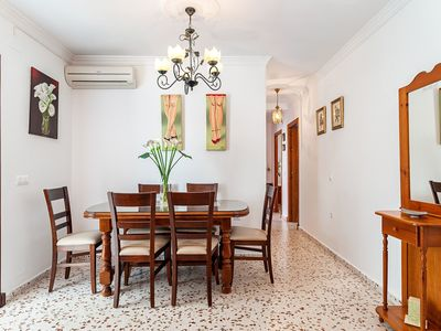 Photo for Cosy Apartment in Great Location with Air Conditioning, Wi-Fi and Balcony