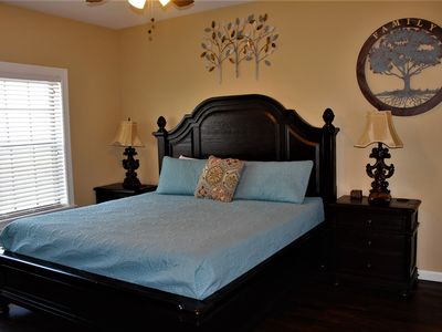 Photo for Luxury Top floor condo w/ view of Table Rock Lake, Next to Silver Dollar City