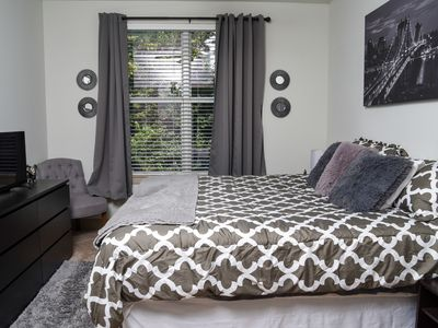 Photo for Downtown Apartment with Balcony*King Bed