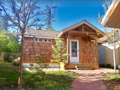 Photo for The Writer's Cabin, quaint and luxurious in the heart of town