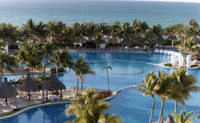 Photo for Spacious 5⭐️ Luxury Resort Perfect for Families & Couples!!