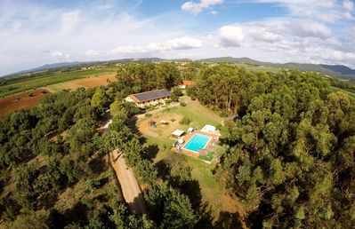 Photo for Two-room pet friendly Tuscan countryside with swimming pool Etruscan Coast.