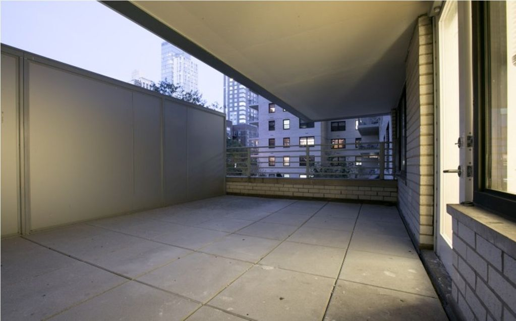 2AW UES 1BR APT WID POOL GARAGE DOORMAN