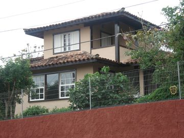Excellent home in gated community - Four bedrooms - Close to R. das Pedras