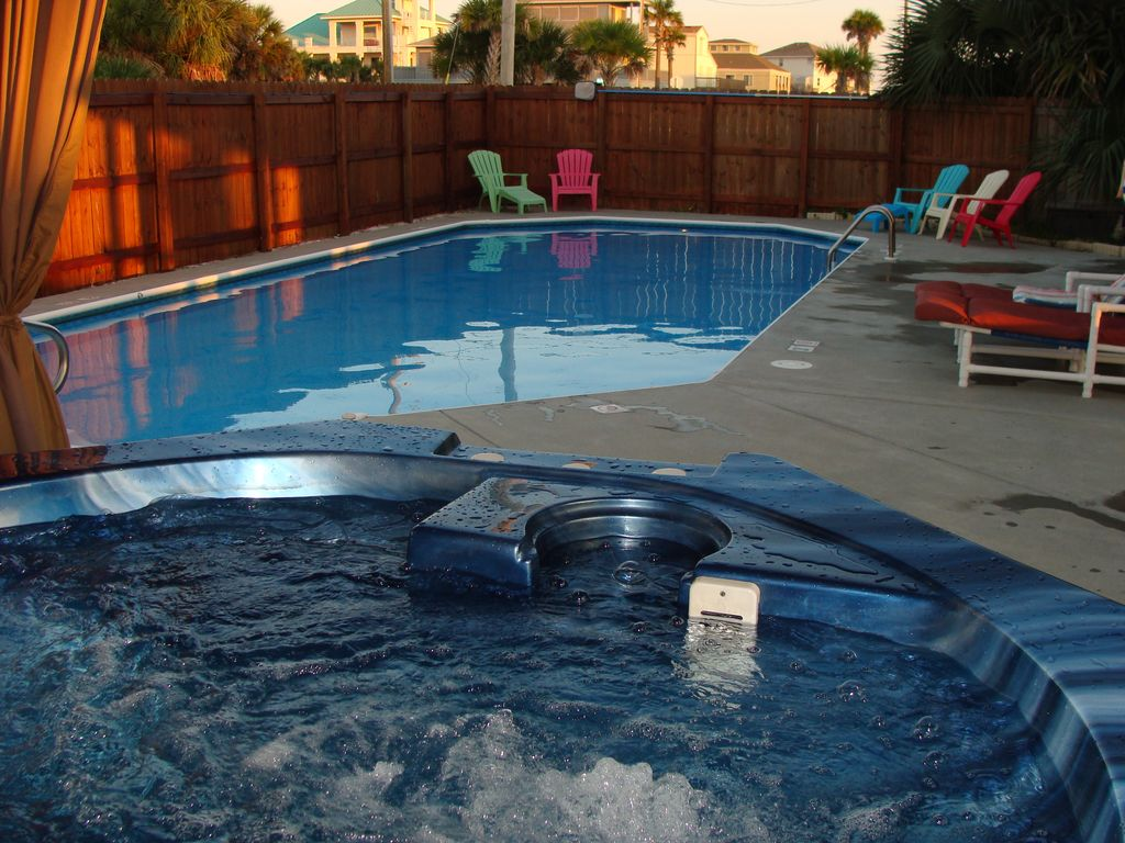 Beautiful vacation beach house with heated pool hot tub for Florida hot tubs